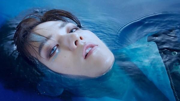 Lại là trùm cuối Baekhyun (EXO): Vài giây đằm mình dưới nước cũng đủ để fan bấn loạn-1
