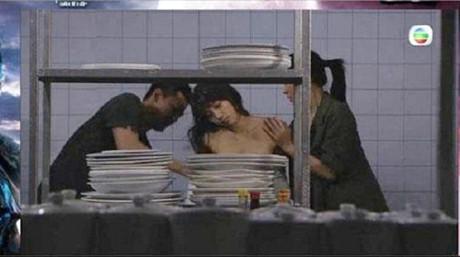 Trung Quốc chế nhạo cảnh nghèo nàn trong phim TVB-10