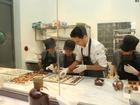 Mục sở thị quy trình sản xuất sô cô la được mệnh danh ngon nhất thế giới tại Hà Nội
