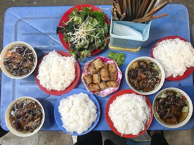 8 món ăn dân dã khách Tây hay rỉ tai nhau nhất định phải nếm khi đến Hà Nội-5