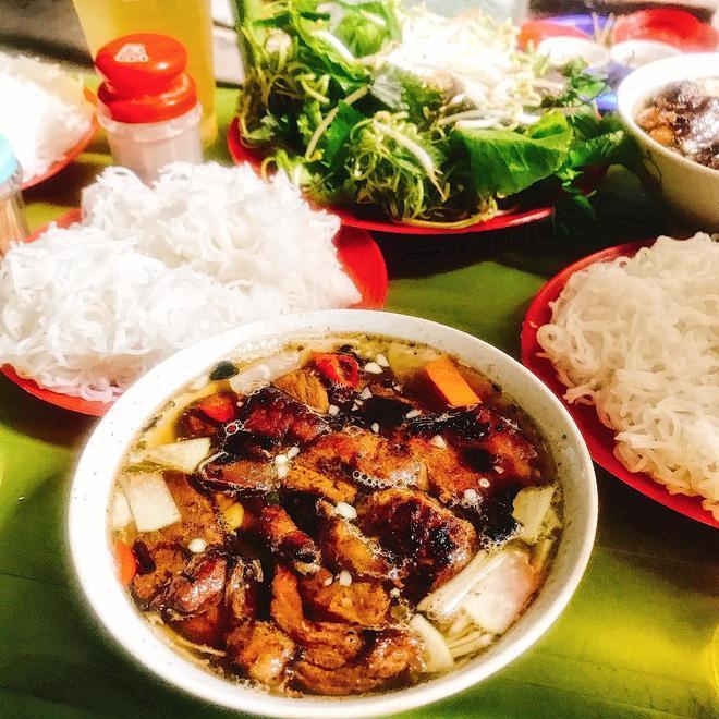 8 món ăn dân dã khách Tây hay rỉ tai nhau nhất định phải nếm khi đến Hà Nội-6