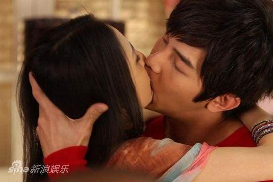 Ai là người chiếm giữ nụ hôn đầu trên màn ảnh của Phạm Băng Băng, Dương Mịch?-11