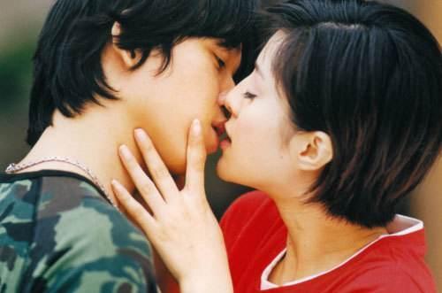 Ai là người chiếm giữ nụ hôn đầu trên màn ảnh của Phạm Băng Băng, Dương Mịch?-1