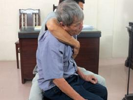 Cụ ông 79 xiêu vẹo nhận 8 năm tù tội hiếp dâm trẻ em