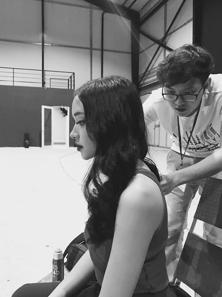 Hot girl - hot boy Việt 7/9: Minh Châu chìm đắm khi cover Em gái mưa của Hương Tràm-1