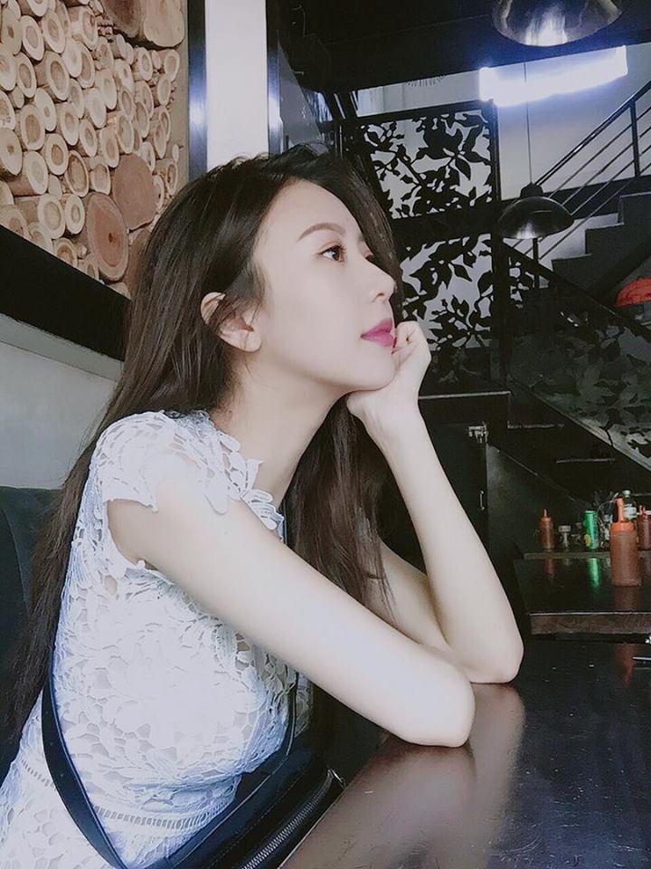 Hot girl - hot boy Việt 7/9: Minh Châu chìm đắm khi cover Em gái mưa của Hương Tràm-6