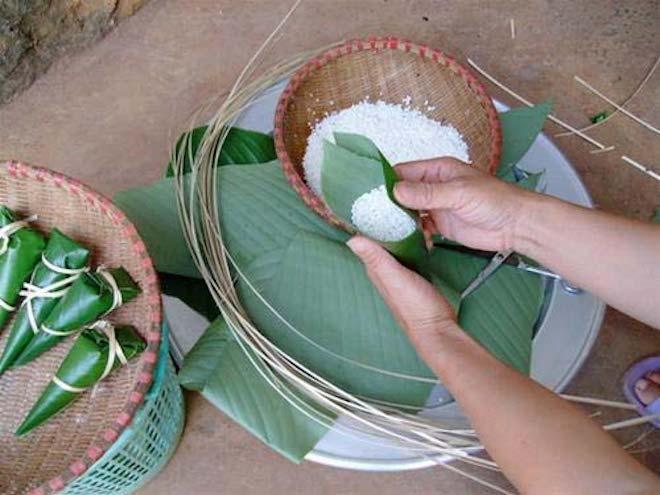 Bánh Cóoc mò là món ăn đặc sản thôn quê tại Thái Nguyên