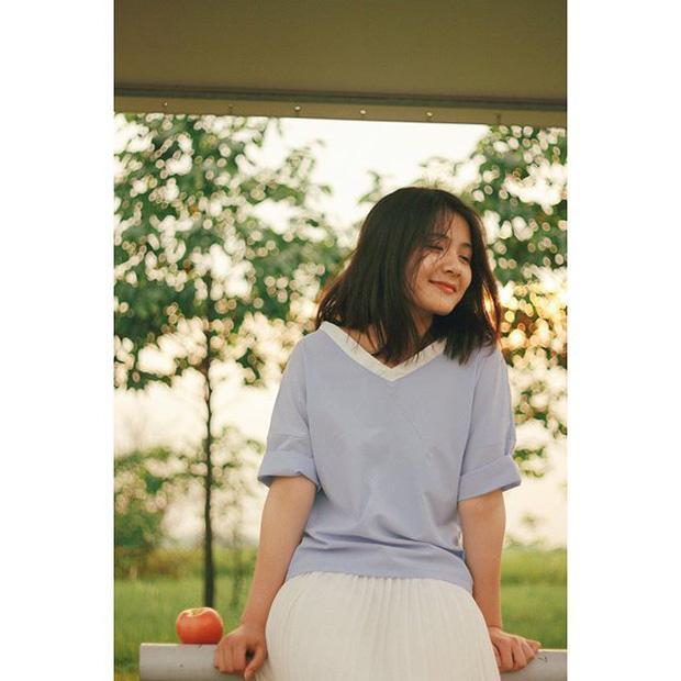 Cô gái năm ấy chúng ta theo đuổi phiên bản Việt với áo dài trắng và nụ cười cực xinh-6