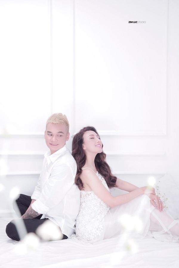 Khắc Việt hé lộ ảnh giường chiếu với người yêu trước thềm đám cưới-2