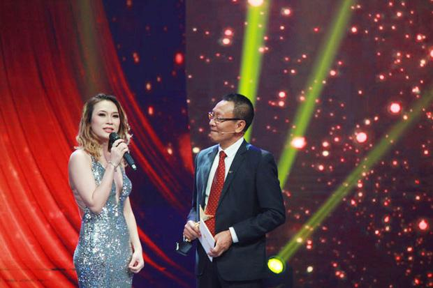 Mỹ Tâm bị MC Lại Văn Sâm chê muộn chồng trên sóng truyền hình-2