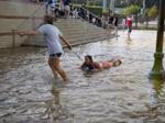 Nhật ký phiêu lưu ký: Viết gữa mưa bão