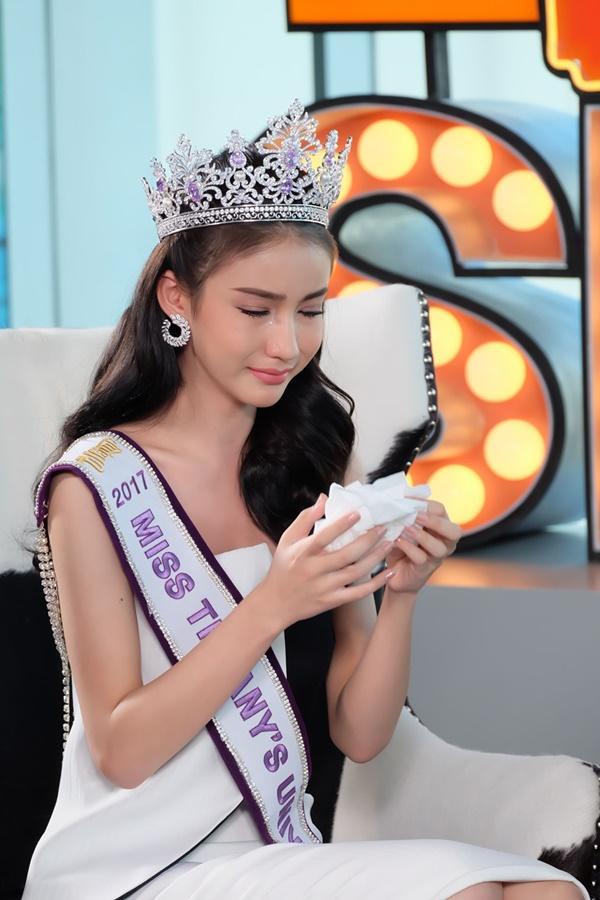 Tân hoa hậu chuyển giới Thái Lan trải lòng nỗi đau thấu tâm can khi chuyển giới-4