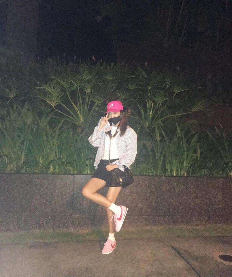 Dara diện phong cách cái bang - CL rườm rà nhất bảng street style Hàn tuần này-3