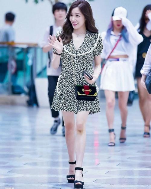 Dara diện phong cách cái bang - CL rườm rà nhất bảng street style Hàn tuần này-11