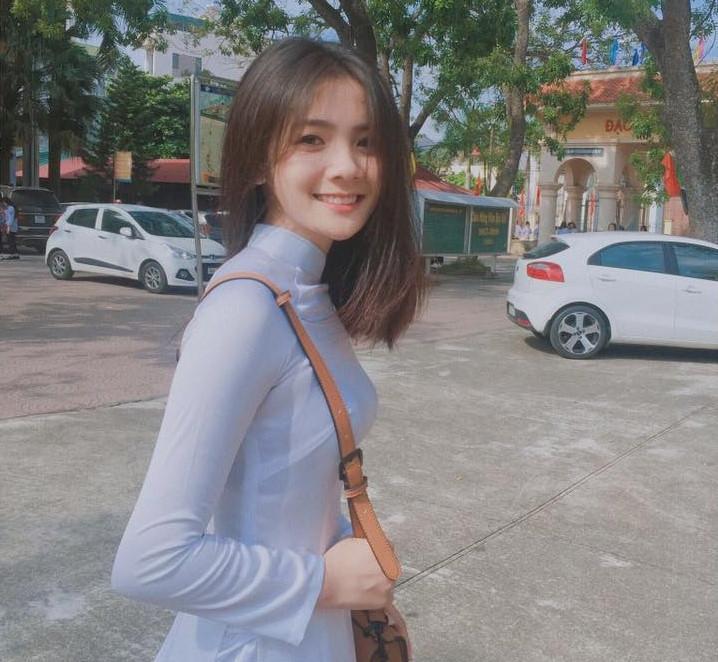 Những thiếu nữ Việt gây thương nhớ vì quá xinh đẹp trong tà áo dài-1
