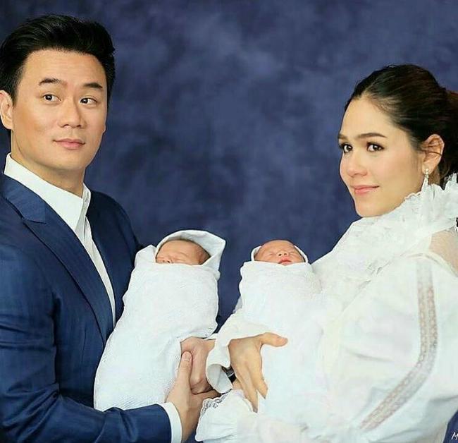 Mỹ nhân đẹp nhất Thái Lan Chompoo Araya khoe cặp song sinh vừa chào đời-2