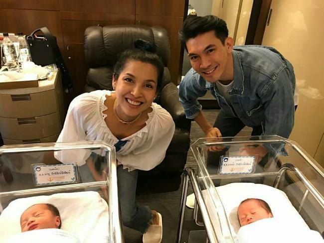 Mỹ nhân đẹp nhất Thái Lan Chompoo Araya khoe cặp song sinh vừa chào đời-9