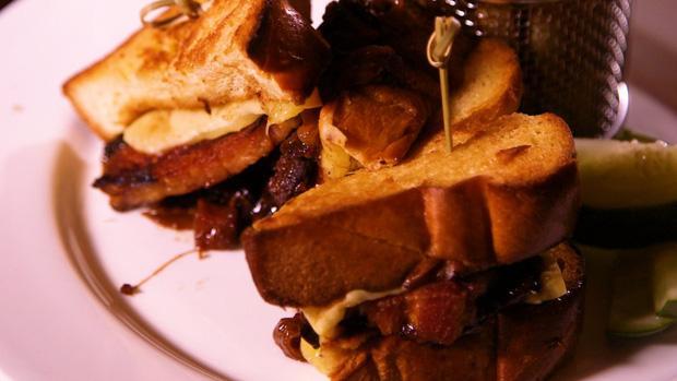 Bật mí thực đơn dành cho các tỉ phú tại nhà hàng thịt nướng lâu đời nhất phố Wall-8