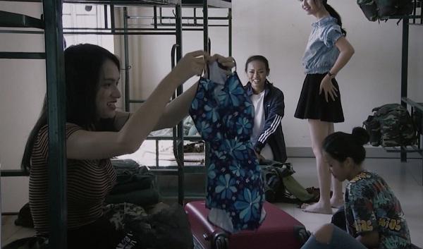 Hương Giang Idol bị chấn chỉnh vì nói năng điệu đà trong quân ngũ-2