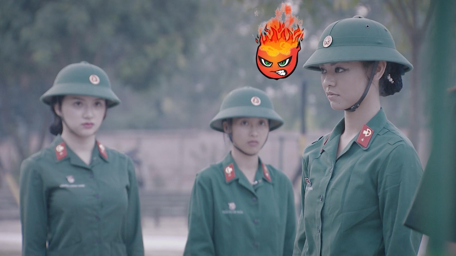 Hương Giang Idol bị chấn chỉnh vì nói năng điệu đà trong quân ngũ-8