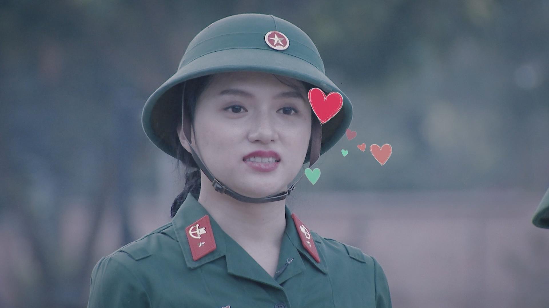 Hương Giang Idol bị chấn chỉnh vì nói năng điệu đà trong quân ngũ-9