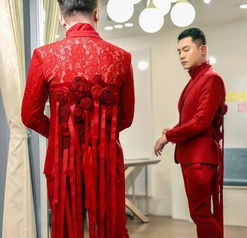 Võ Hoàng Yến - Nam Trung diện đồ ăn ý như KING & QUEEN xuyên suốt mùa Next Top-5