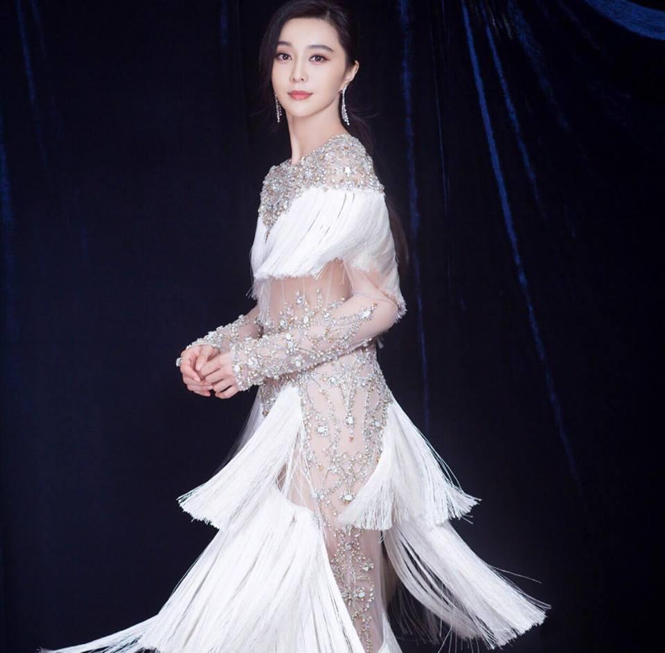Phạm Băng Băng đẹp tựa nữ thần lấn át dàn sao Hoa ngữ tại sự kiện thảm đỏ-6