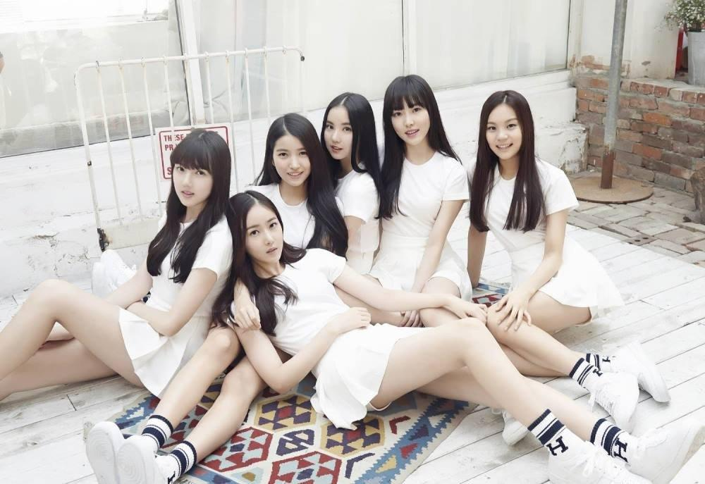 Sao Hàn 10/9: Nữ thần sexy HyunA tiết lộ từng tiệc tùng trong tình trạng bán khỏa thân-4