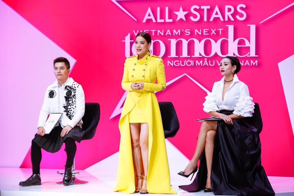 Võ Hoàng Yến - Nam Trung diện đồ ăn ý như KING & QUEEN xuyên suốt mùa Next Top-11