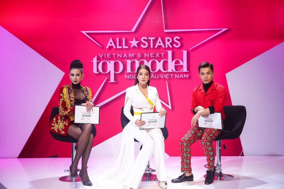 Võ Hoàng Yến - Nam Trung diện đồ ăn ý như KING & QUEEN xuyên suốt mùa Next Top-12