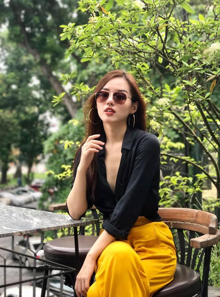 Hot girl - hot boy Việt 11/9: Stylist Hoàng Ku đốt mắt người nhìn khi khoe ảnh khỏa thân chơi đạp vịt-4