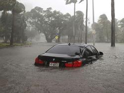 Video siêu bão 'quái vật' Irma trút cuồng nộ lên Florida, toàn bộ chìm trong biển nước