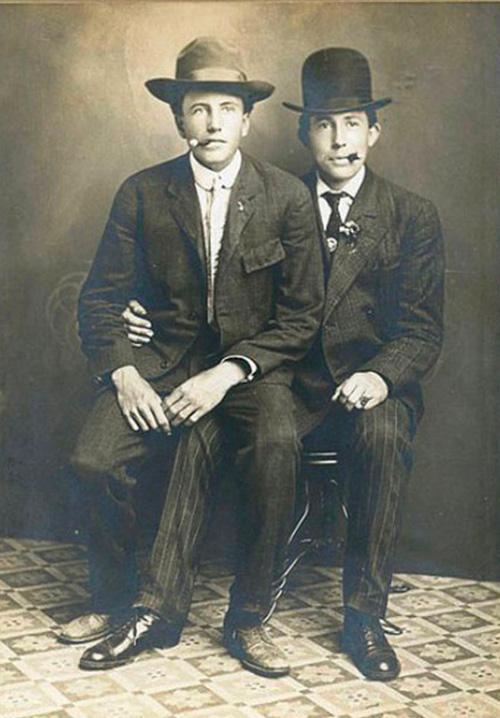 Những hình ảnh thân mật của các chàng trai cách đây 100 năm: Đồng tính không phải trào lưu-7