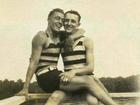 Những hình ảnh 'thân mật' của các chàng trai cách đây 100 năm: Đồng tính không phải trào lưu