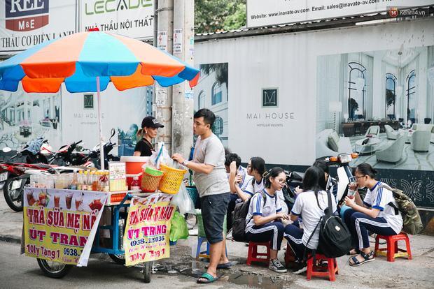 Theo giới trẻ Sài Gòn lê la ở thiên đường ăn vặt đáng ghen tị của trường Marie Curie-2
