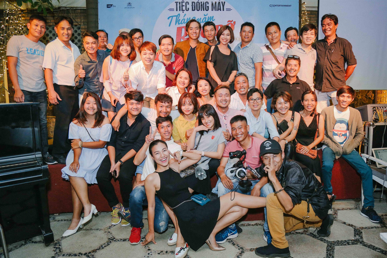 Dàn mỹ nhân Việt quậy tưng bừng trong tiệc đóng máy phim Tháng năm rực rỡ-1