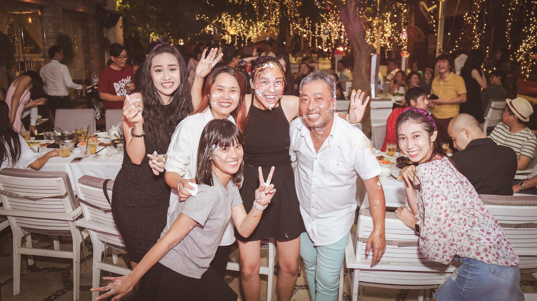 Dàn mỹ nhân Việt quậy tưng bừng trong tiệc đóng máy phim Tháng năm rực rỡ-5