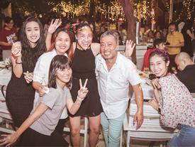 Dàn mỹ nhân Việt quậy tưng bừng trong tiệc đóng máy phim 'Tháng năm rực rỡ'