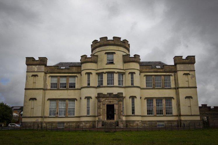 Hãi hùng hàng trăm hài cốt trẻ em được tìm thấy trong hố chôn tập thể ở Scotland-1
