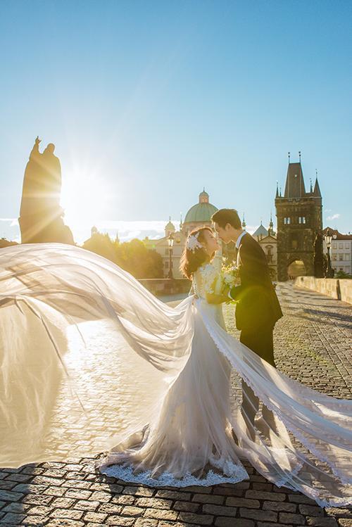 Cặp đôi bác sỹ Việt sống tại Séc hẹn hò trong… phòng giải phẫu, 7 năm sau về trường xưa chụp ảnh cưới-6