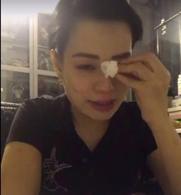 Vợ Xuân Bắc bất ngờ livestream khóc trên trang cá nhân-1