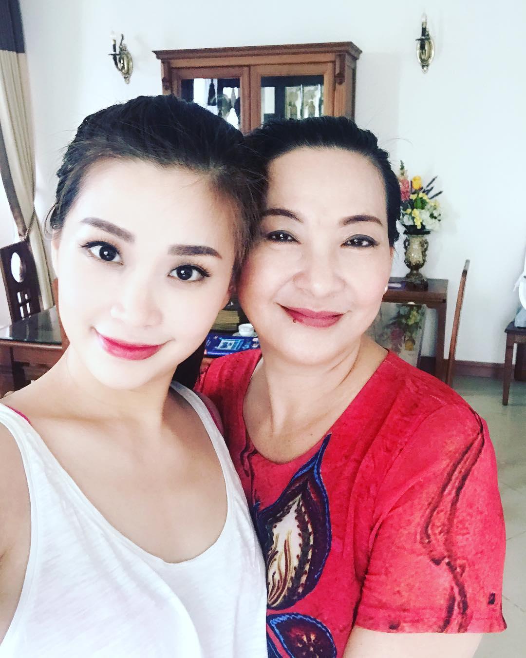 Tin sao Việt 12/9: Phan Hiển khoe ảnh ngời ngời hạnh phúc bên Khánh Thi-4
