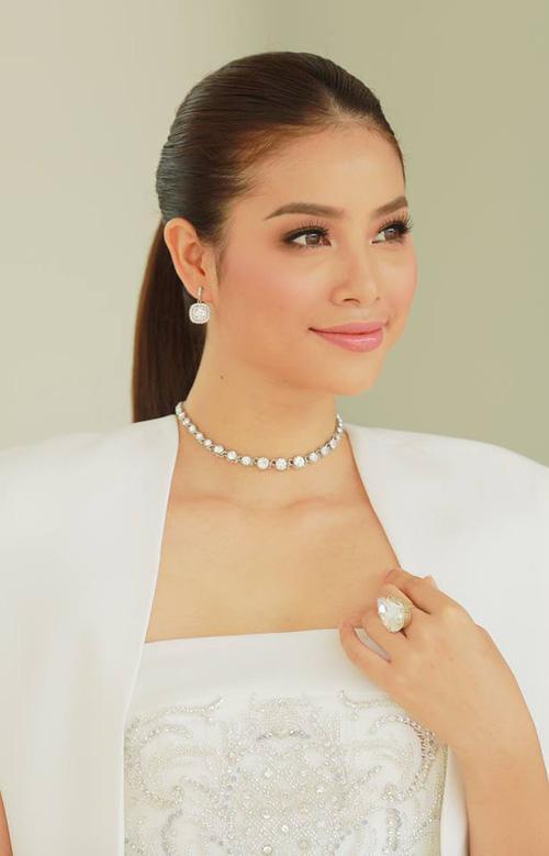 Hoàng Thùy - Mâu Thủy phong cách đối lập trong ngày thi phỏng vấn Hoa hậu Hoàn vũ-1
