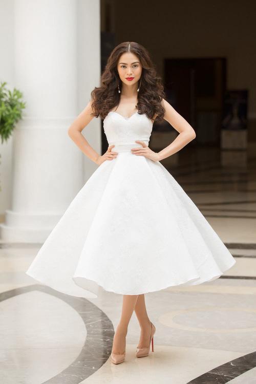 Hoàng Thùy - Mâu Thủy phong cách đối lập trong ngày thi phỏng vấn Hoa hậu Hoàn vũ-3