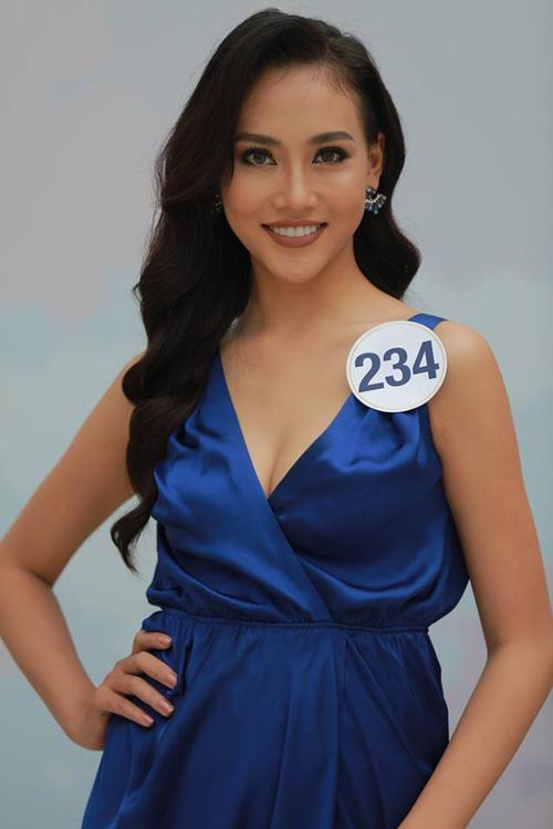 Hoàng Thùy - Mâu Thủy phong cách đối lập trong ngày thi phỏng vấn Hoa hậu Hoàn vũ-9