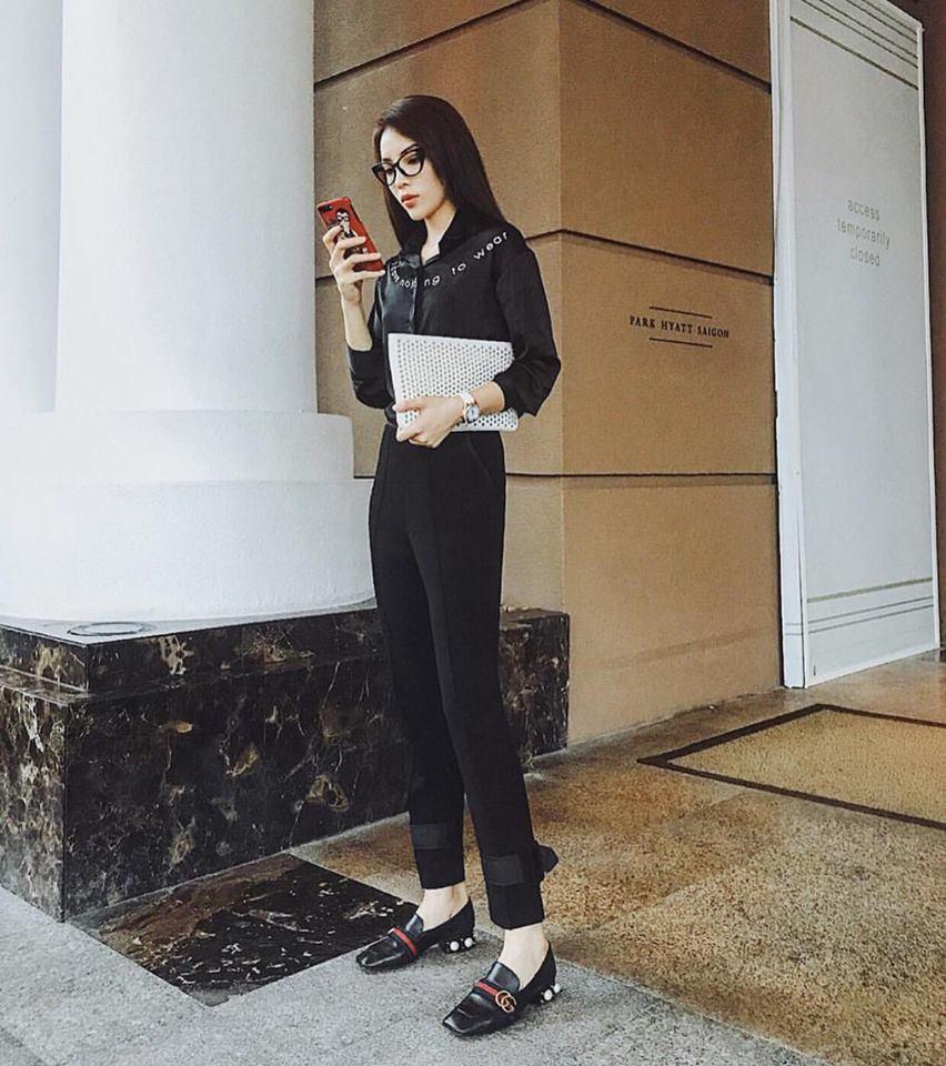 Cứ đen - trắng mà diện, street style của Kỳ Duyên vươn lên top sao mặc đẹp nhất tuần này-3