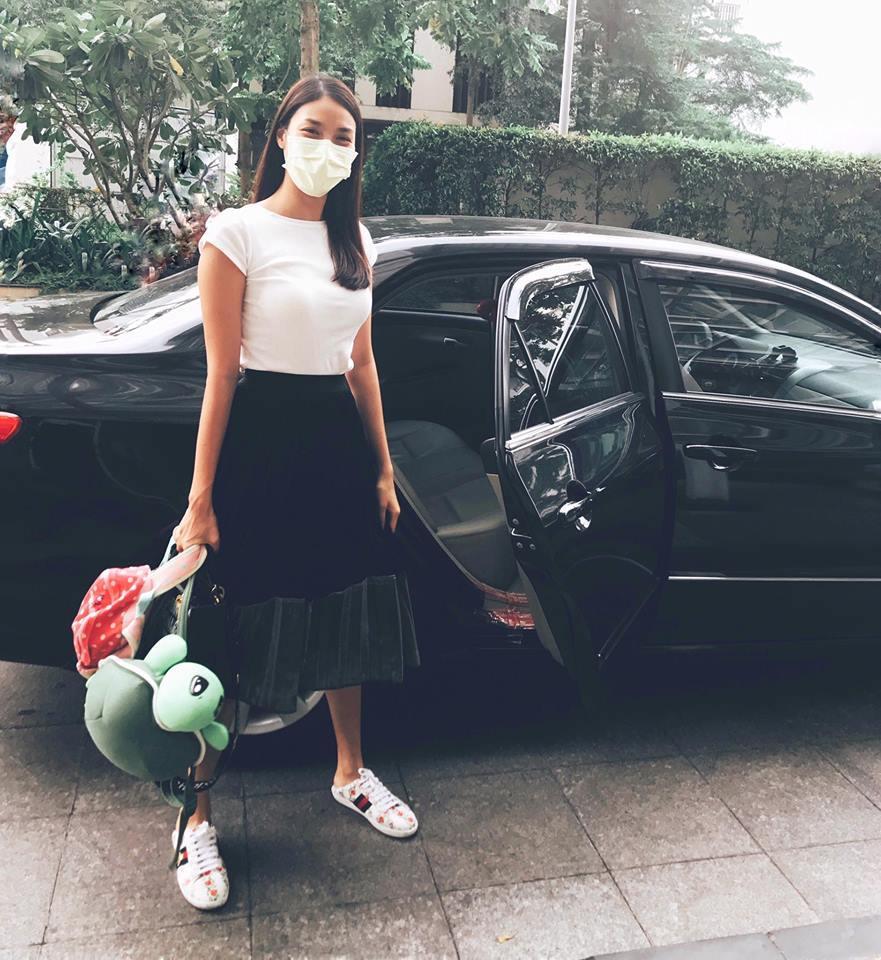 Tin sao Việt 13/9: Á hậu Tú Anh nhập viện truyền dịch khiến fan lo lắng-7