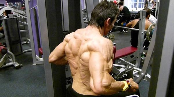Choáng khi thấy người đàn ông 48 tuổi bị quắt hết mỡ cơ thể-4