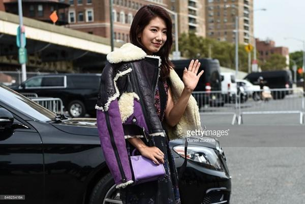 Park Shin Hye váy vóc điệu đà, Jessica Jung kín cổng cao tường tham dự NYFW-6