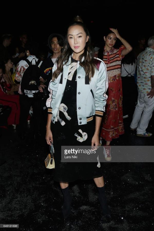 Park Shin Hye váy vóc điệu đà, Jessica Jung kín cổng cao tường tham dự NYFW-11